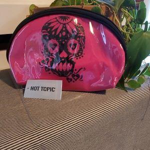 NWT HOT TOPIC make up bag.          #248